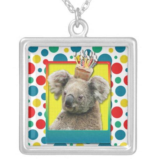 Magdalena del cumpleaños - koala colgante cuadrado