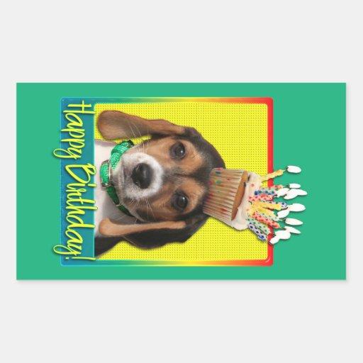 Magdalena del cumpleaños - perrito del beagle - pegatina rectangular