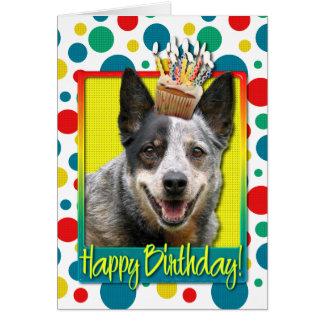 Magdalena del cumpleaños - perro australiano del tarjeta de felicitación