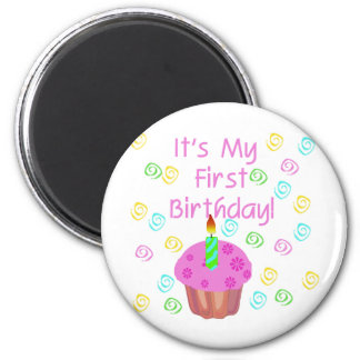 Magdalena rosada con de la vela cumpleaños primero imán redondo 5 cm