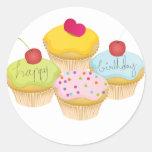 Magdalenas del cumpleaños pegatina redonda