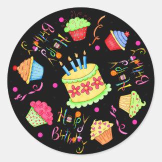 Magdalenas negras y cumpleaños de la torta feliz pegatinas redondas
