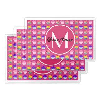Magdalenas rosadas cones monograma, nombre bandeja rectangular