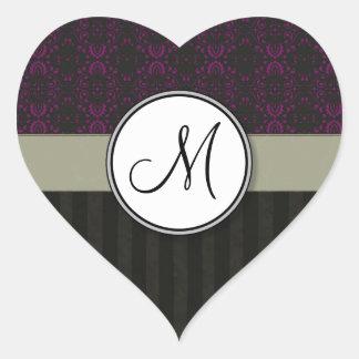 Magenta en el damasco negro con las rayas y el mon pegatinas corazon personalizadas