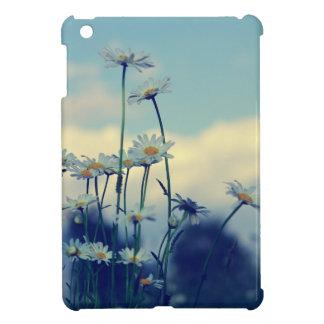 Magerieten prado de verano con nubes cielo iPad mini funda
