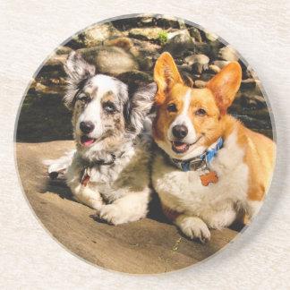 Maggie y Charlie Posavasos Personalizados