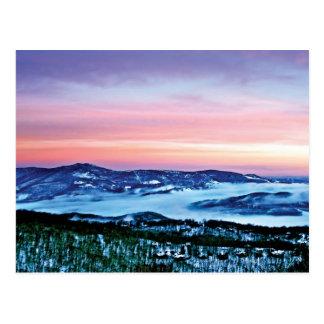 Magia de la montaña de Ridge azul bajo encanto del Tarjetas Postales