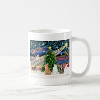 Magia de Navidad - 3 gatos (2 tabbys - blanco) Taza De Café