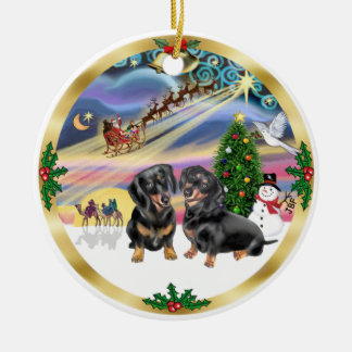 Magia de Navidad - dos Dachshunds negros Adorno Redondo De Cerámica