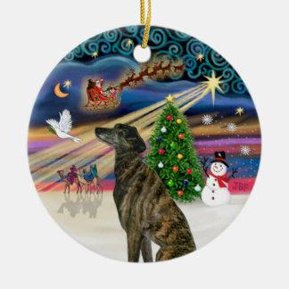 Magia de Navidad - galgo Brindle Adorno Redondo De Cerámica