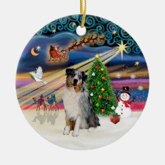 Magia de Navidad - pastor australiano (merle) Adorno Redondo De Cerámica
