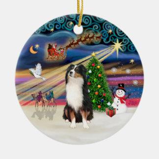 Magia de Navidad - pastor australiano (tri) Adorno Redondo De Cerámica