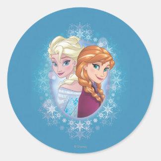 Magia del invierno de Ana y de Elsa el | Pegatina Redonda