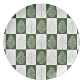 Magic Leaf on Green Plate
