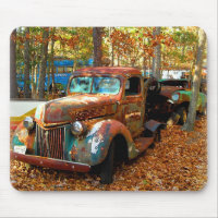 Magnificent Classic Rusting Truck Mouse Pad