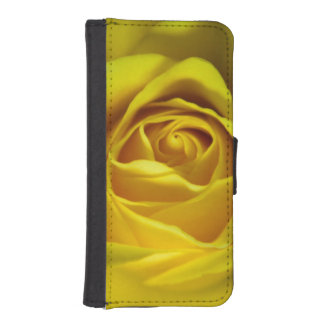 Magnificent yellow rose macro picture iPhone SE/5/5s wallet case