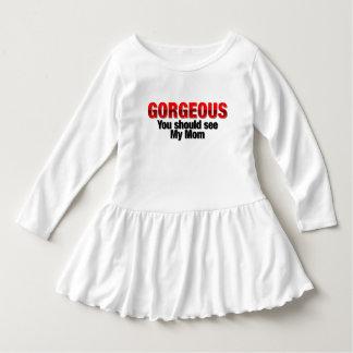 Magnífico usted debe ver a mi mamá vestirse camisas