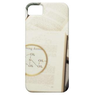 Magnifying glass enlarging molecular diagram iPhone SE/5/5s case