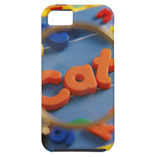 Magnifying glass enlarging view of word CAT iPhone SE/5/5s Case
