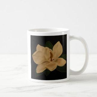 Magnolia 3 classic white coffee mug
