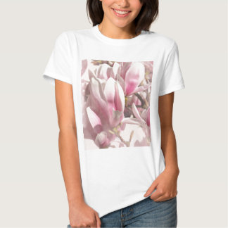 Magnolia photographed by Tutti Tee Shirt