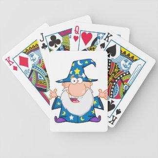 Mago amistoso con los brazos abiertos baraja de cartas
