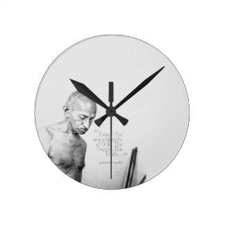 Mahatma Gandhi Quote, Minority of One, Truth Round Clock