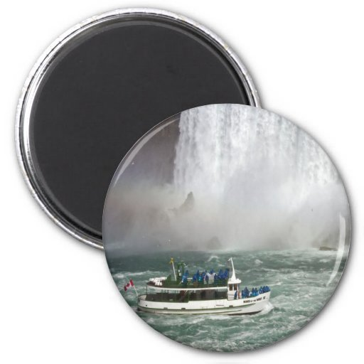 Maid Of The Mist Entering The Falls Fridge Magnet