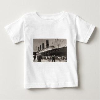 Maiden Voyage of RMS Lusitania, 13 Septemeber 1907 Tee Shirt