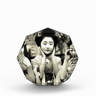 Maiko Acrylic Award
