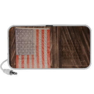 Maine bandera americana descolorada en puerta del iPod altavoces
