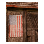 Maine, bandera americana descolorada en puerta del póster