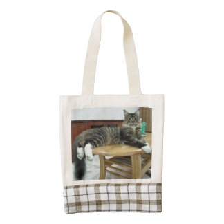 maine coon laying 2 zazzle HEART tote bag