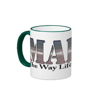 Maine la vida de la manera debe ser taza de dos colores