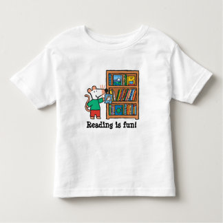 Maisy and a Bookshelf of Books Toddler T-shirt