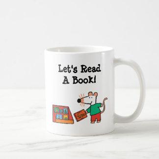 Maisy con los libros de la biblioteca taza básica blanca