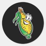 maíz en la mazorca feliz de la cara pegatinas redondas