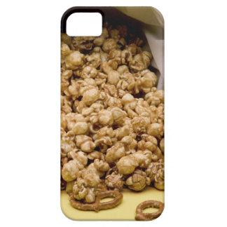 Maíz y pretzeles de Carmel iPhone 5 Case-Mate Cárcasa