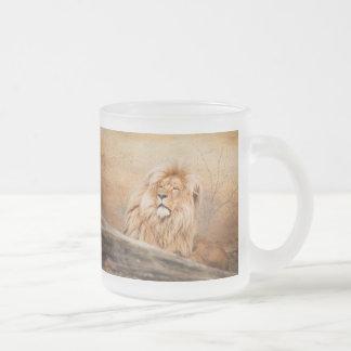 Majestic Lion 10 Oz Frosted Glass Coffee Mug