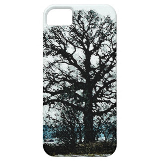 Majestic Tree in the Snow iPhone SE/5/5s Case