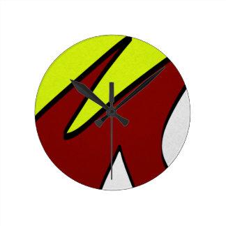 Majuscules Round Clock