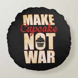 Make cupcake not war round pillow