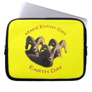 Make Every Day Earth Day Computer Sleeve
