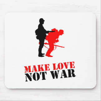 Make love not war mouse pad