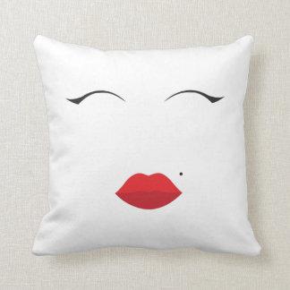 make up // Marilyn Monroe inspired// lips n eyes Throw Pillow
