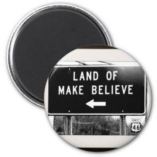 makebelieve2.jpg 2 inch round magnet