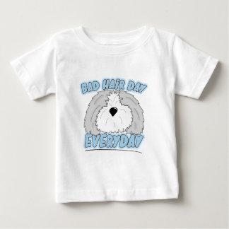 Mala camiseta del bebé del perro pastor del día remera