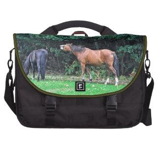 Mala foto del caballo de la actitud del potro dive bolsas para portatil