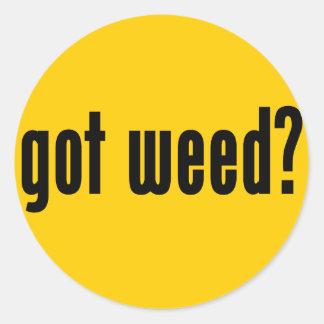 ¿mala hierba conseguida? pegatina redonda