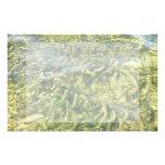 Malas hierbas del agua bajo fondo del agua papelería de diseño